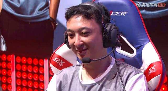 王思聪率领IG二比零击败VG喜获职业生涯首胜