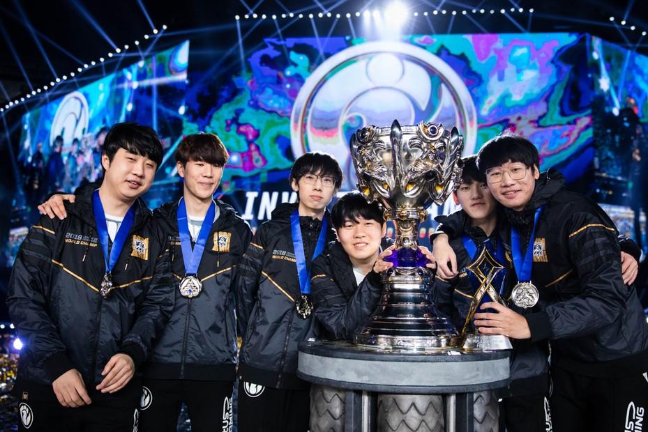 《英雄联盟》恭贺iG:第三波来袭预告 全球总决赛冠军皮肤-巅峰的荣耀.iG